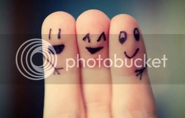 photo making-new-friends-fingers_zps33bhbf9j.jpg