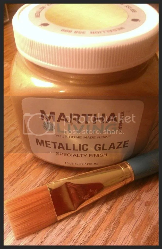 Martha Living Metalic Glaze Paint