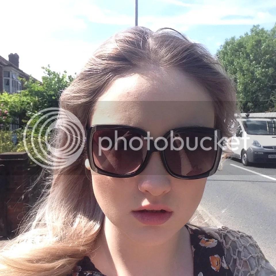 sunglass selfie