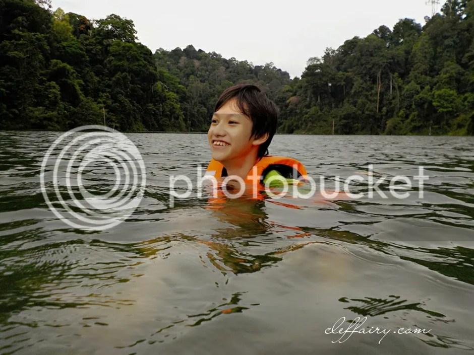 photo PhotoGrid_1491419299518_zpsv2merwh7.jpg