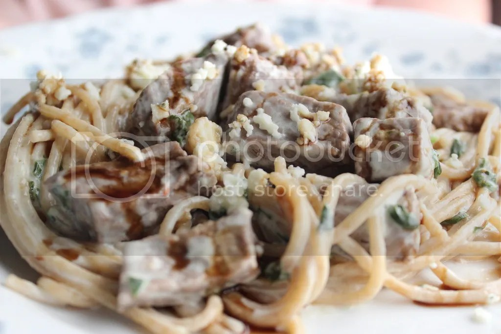 Steak Gorgonzola Alfredo - Olive Garden's Copycat Recipe | EverydayMadeFresh.com