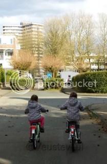 Fietsende kinderen veilig in het verkeer