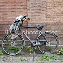 Keek op de week - En toch parkeert de man in huis er zijn fiets, foei!