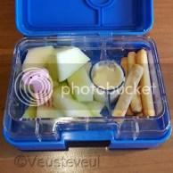 Snackbox om 10 uur met een olifantenprikkertje erin!