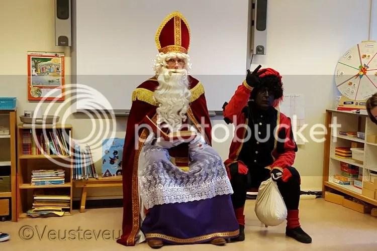 Sinterklaas en pieten op school