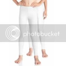Lange witte leggings voor onder de jurken die ik zelf maakte!