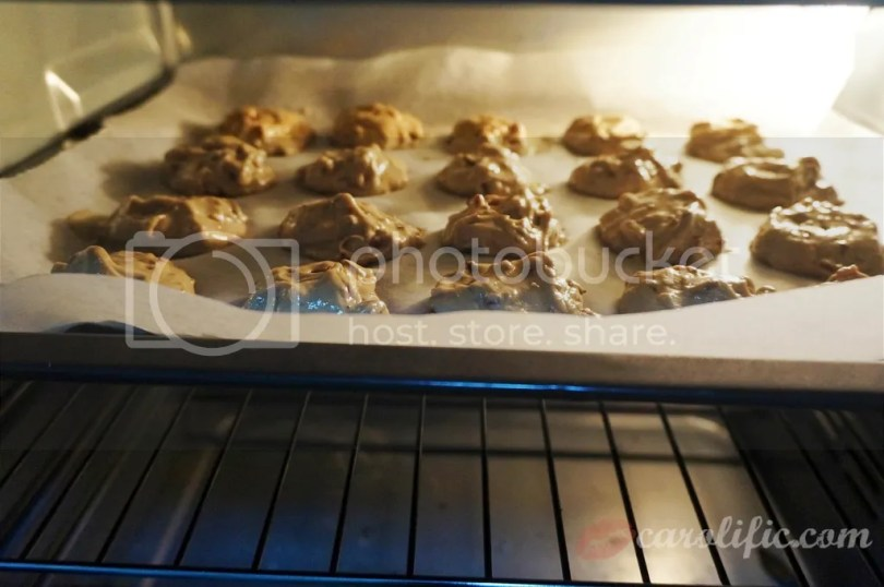 Career Girl Cooking Series, Baking, Cookies, Cherry, Cherry Season, Cherries Malaysia, Cherries Kuala Lumpur, Cherry Recipe, Chocolate, Almonds, Easy Cookie Recipe, Dessert, Domestic Diva, Domestication, Diplomat's Wife, Cookie, #Foodporn, Food