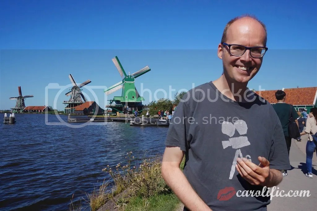 Travel, Amsterdam, The Netherlands, Zaanse Schans, Amsterdam Centraal, Where to Go, How to Go to Zaanse Schans, What to See, Sightseeing, Old Dutch Town, Tour Guide, Roland Simons, Lowlands Tours