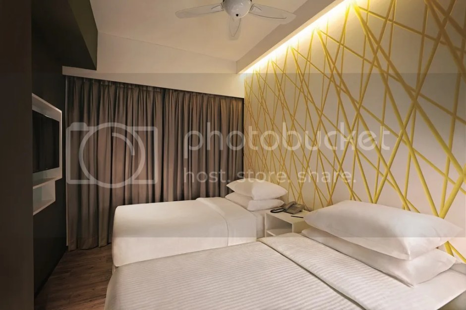 photo First World Hotel Annex Tower XYZ Deluxe Room_zpsrimuvlqp.jpg