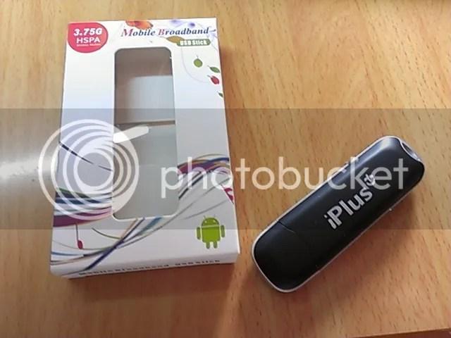 また買ってしまったHuawei E169 USB UMTS/WCDMAモデム。前回のは白色だったが、それと区別できるよう黒色のものを選択。