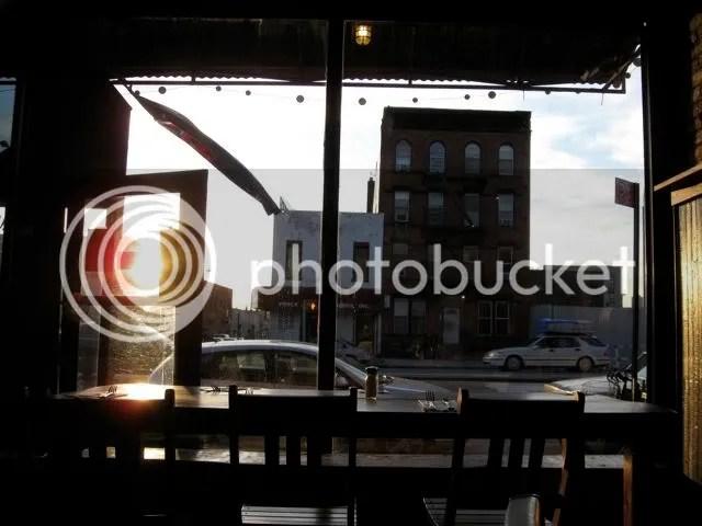 australian pub 4th Ave