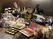 Makeup related goodness! Photos of my kit + makeup time ...