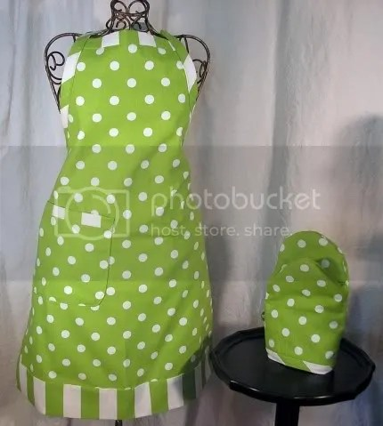 Apron and Oven Mitt