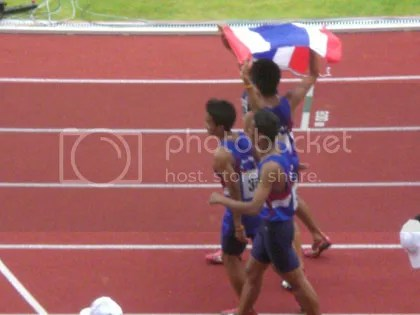 Thai athletes on their lap of honour