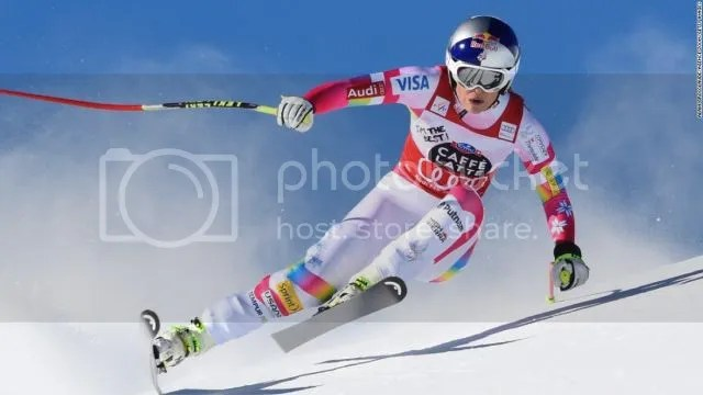 Lindsey Vonn won the Super-G in St. Moritz with 0.24 seconds ahead of Austrian Anna Fenninger, her 64th World Cup victory.
