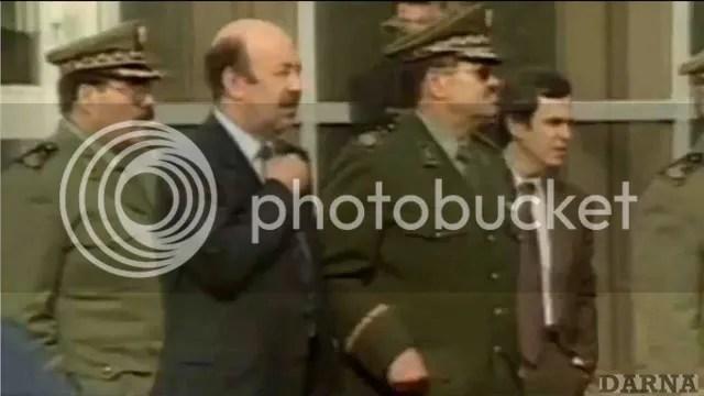 image datant de 1992 , droit,chef du DRS, Mohamed Mediene dit 'Toufiq'