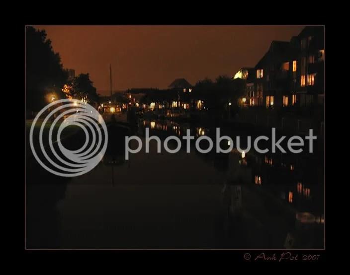 Log9-10-07-1.jpg Thorbeckegracht bij avond