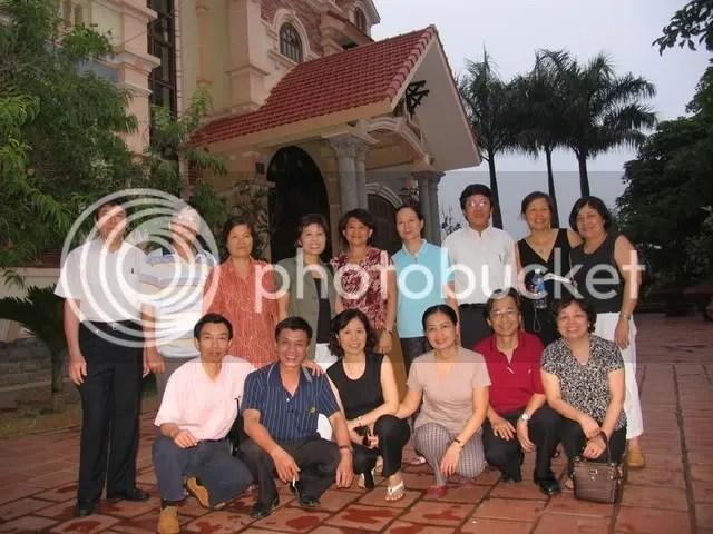 LT cùng đồng bọn tại Hoà Lạc, ăn chơi sả láng, sáng về sớm..