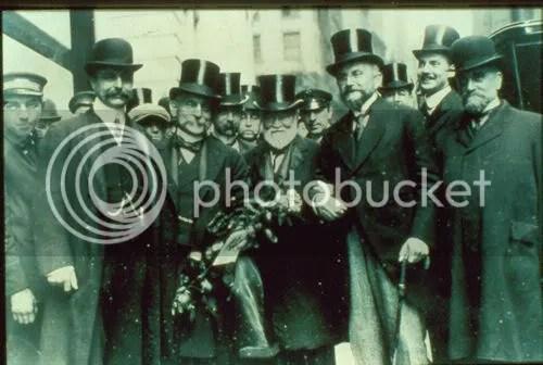 Resultado de imagen de PICTURES OF  BANKERS  IN THE 19TH CENTURY