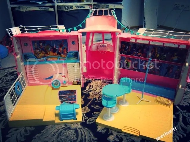 Barbie Cruise Ship 2002 inside