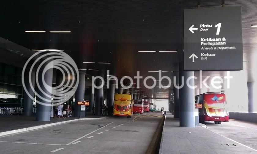 photo KLIA2-bus-station_zpsdsej8t5s.jpg