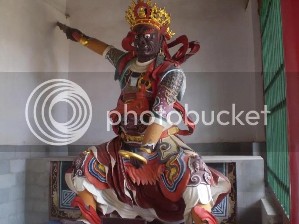 שומרים מפלצתיים- מקדש הבמבוק photo china2267.jpg