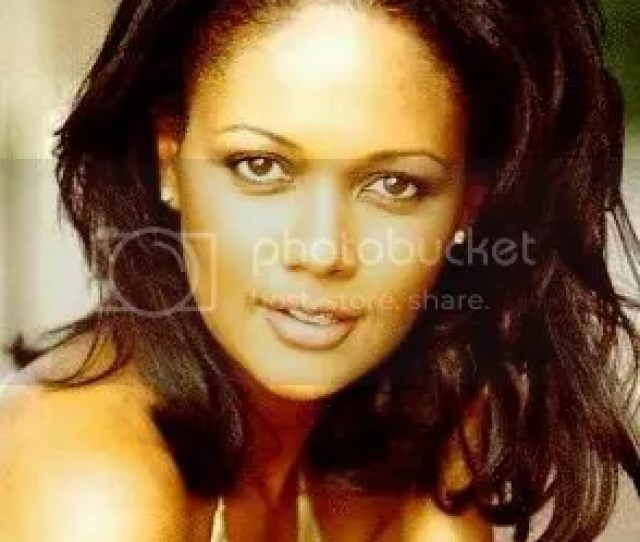 Actress Director And Producer Tonya Lee Williams Is Best Known For Her Role As Dr Olivia Barber Winters On Cbss 1 Soap Opera The Young And The Restless