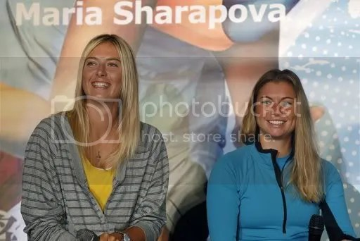Photos: Maria Sharapova and Vera Zvonareva attend a press conference in Taipei