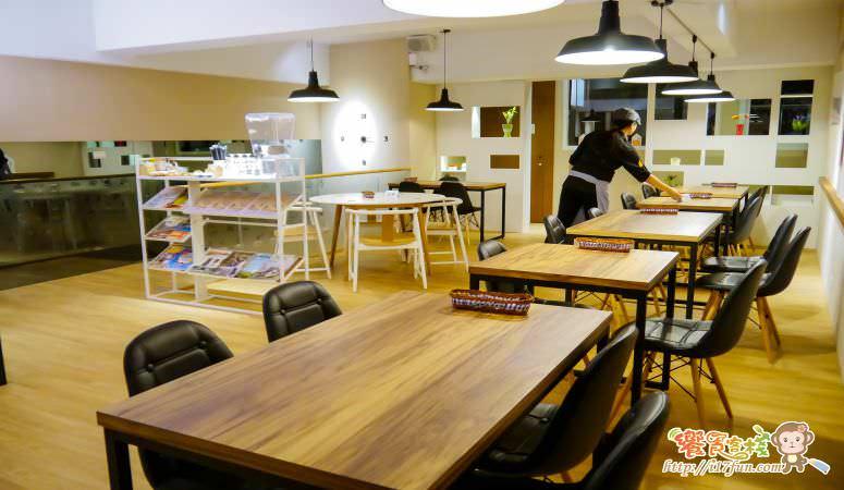 genuine-cafe-food