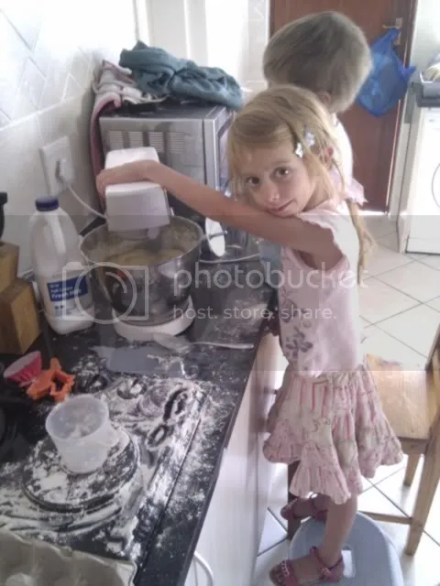baking helper