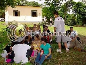 Alunas visitam a reserva ambiental na Serra do Japi - Clique para ampliar
