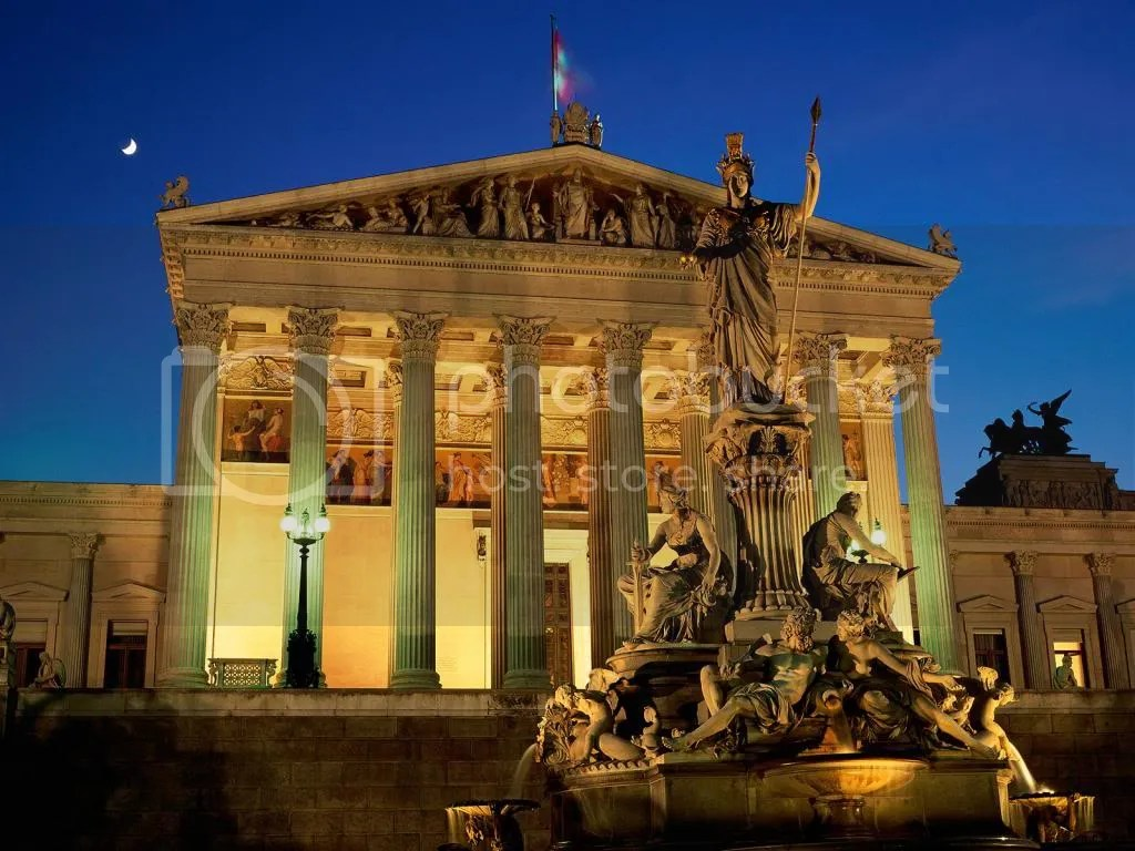 photo Vienna_Austria_Pallas_Athene_Fountain_Parliament_Building_zpsfb9ff473.jpg