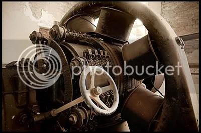 urbex,  urban exploration,  decay,  abandoned,  belgie, belgium, belgique, architecture,  photography,  urban,  exploration, verlaten, fotografie, industry, industrie, machine, room, factory, fabriek, roof, tiles, steam, engines