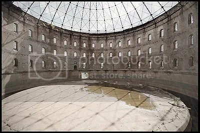 duitsland, germany, deutschland, abandoned, verlaten, photography, fotografie, decay, urban, exploration, urbex, abandonnee, architecture, industry, industrie, industrial, gasometer, gas, holder, gasholder