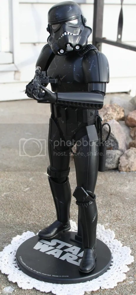 Sideshow Collectibles Star Wars Blackhole Stormtrooper Review (1/6)