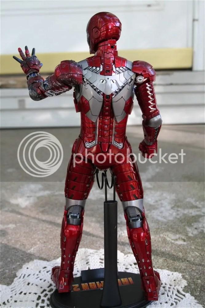 Hot Toys Iron Man 2 Mark V Review (3/6)