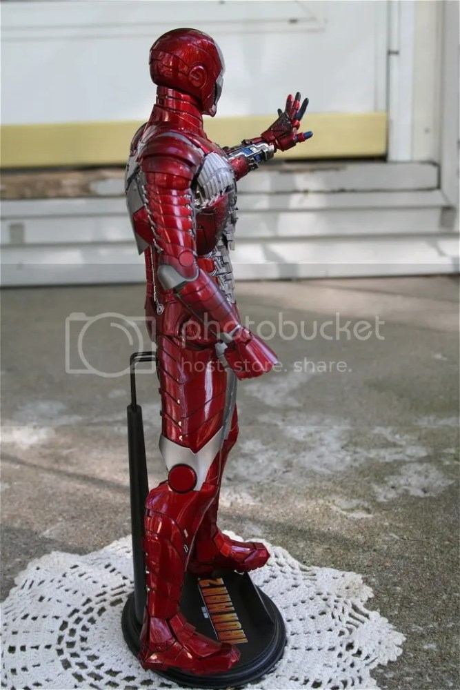 Hot Toys Iron Man 2 Mark V Review (4/6)