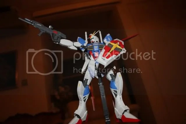Tried the gundam seed/seed destiny typical beam rifle pose. Failed cause had no reference such as pics at the time of the photoshoot