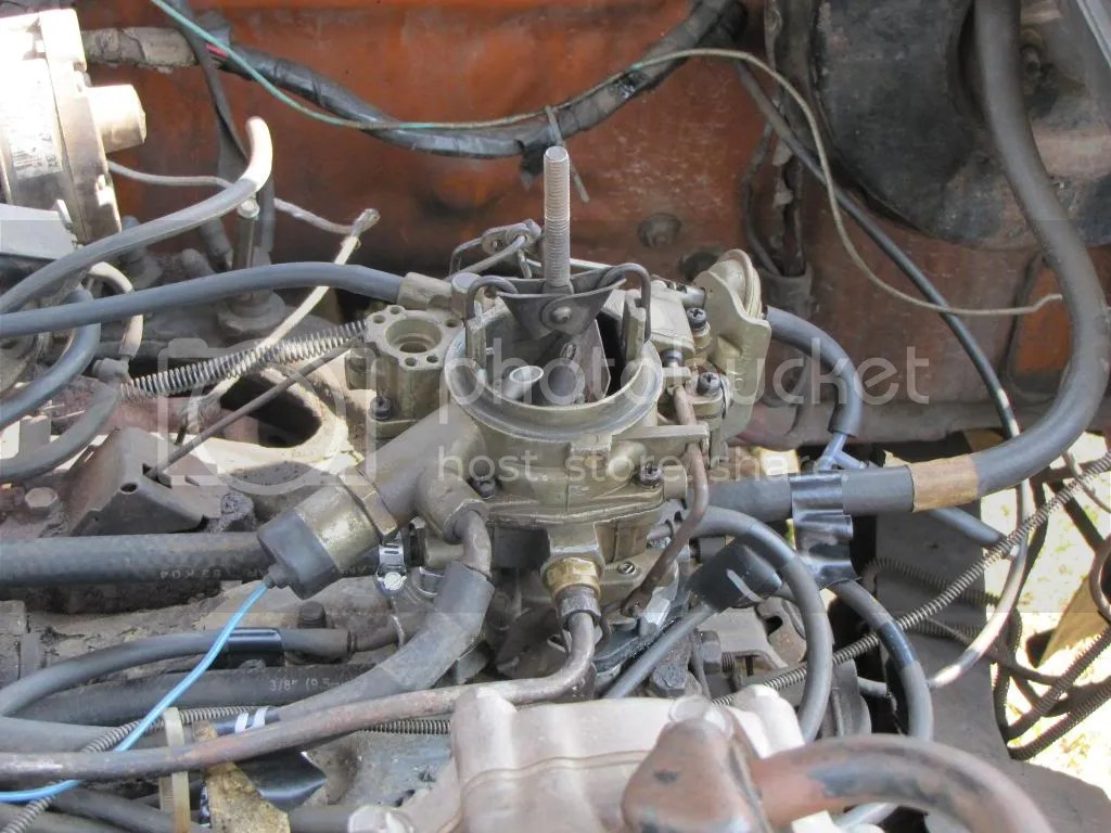 hight resolution of a holley 1945 carb that appears to not be computer controlled a good thing