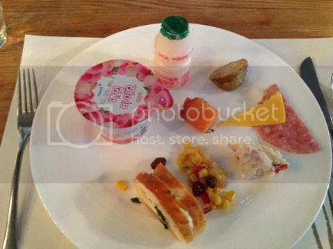 Breakfast day 1 photo 578566_10151323353166209_1925856317_n.jpg
