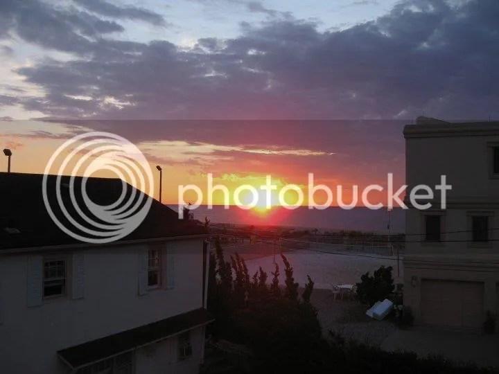 at least i saw the sunrise (: photo 36954_455410066208_4424946_n.jpg