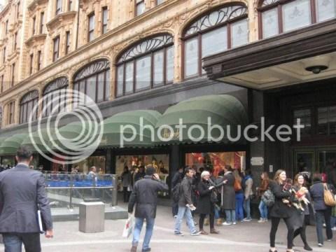Harrods Departmental Store! photo 301801_10151073332261209_806007768_n.jpg