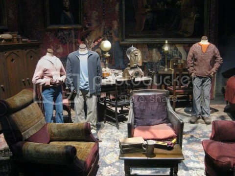 Inside Gryffindor Common Room~ photo 166526_10151056669856209_1243712598_n.jpg