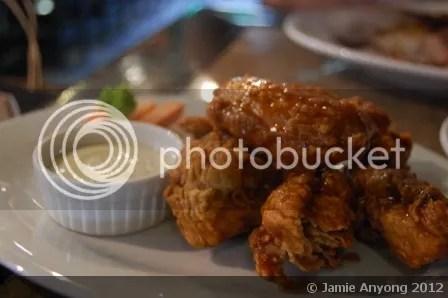 Dillingers_buffalo chicken wings
