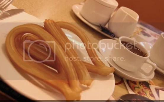 DULCINEA_churros con chocolate
