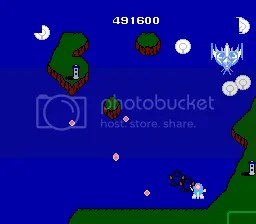 Claw Device es identico al primer juego, salvo que desaparece por los lados. Impredecible