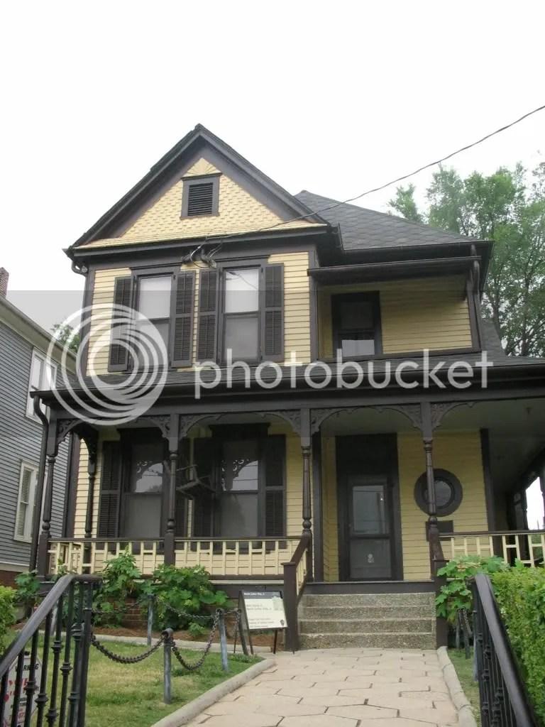 7-1-2007-086.jpg CHILDHOOD HOME OF MLK picture by dreispics