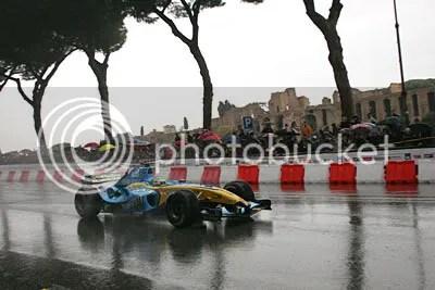 Giancarlo Fisichella demonstrates F1 to Rome in 2006