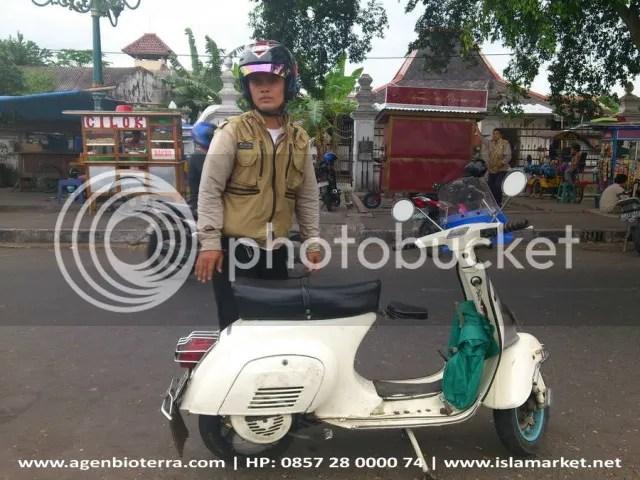 Pembeli Parkit Pak Bowo Solo