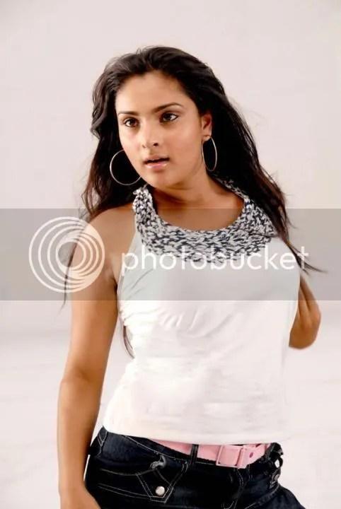 Hot and Sexy Actress Divya alias Ramya